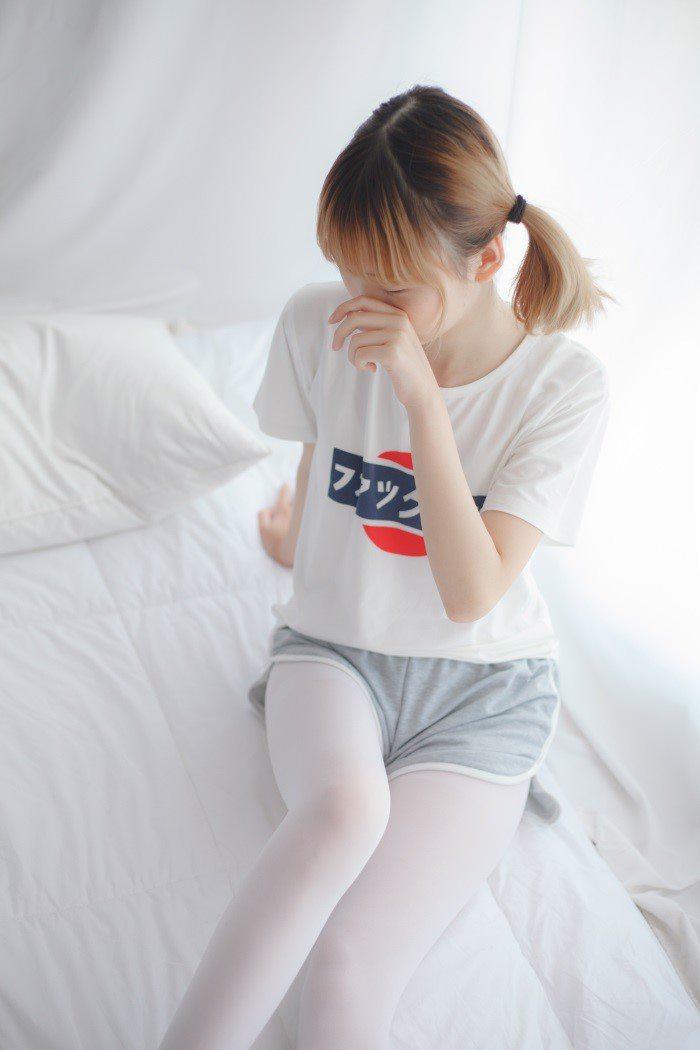 [少女秩序]少女秩序-美丝写真 VOL.001 白色丝袜[30P/185M]